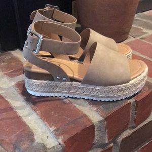 Sod Wedge sandals